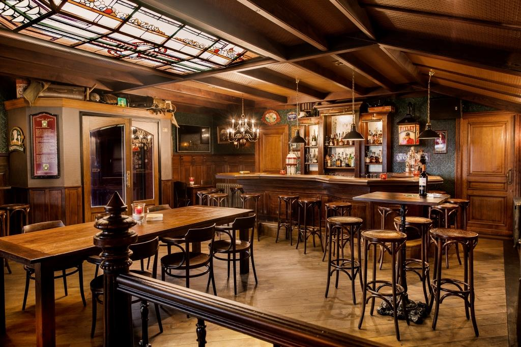 grand caf interieur engelse pub irish pub interieur mancave horeca interieurbouw